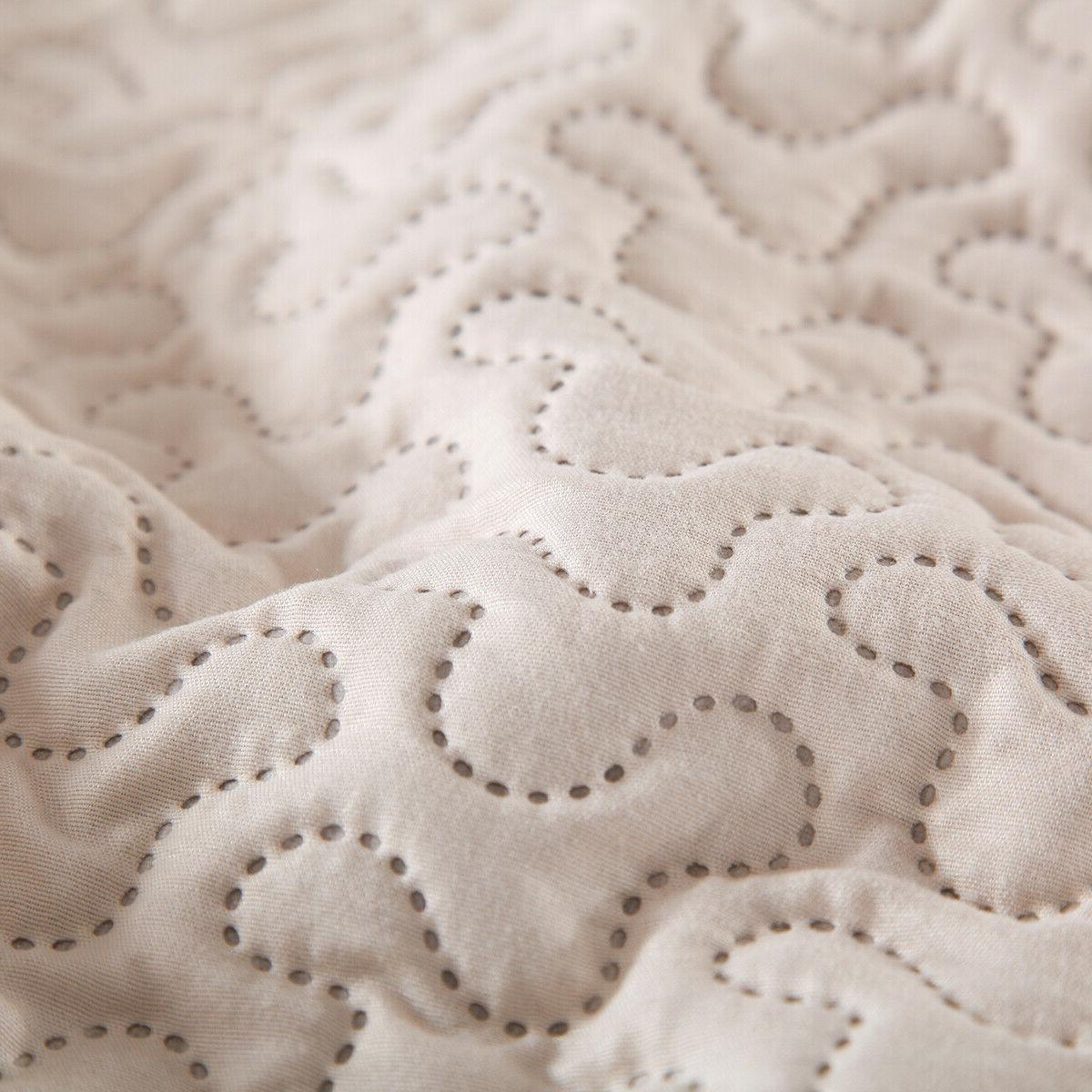 Embossed Quilt Set Queen