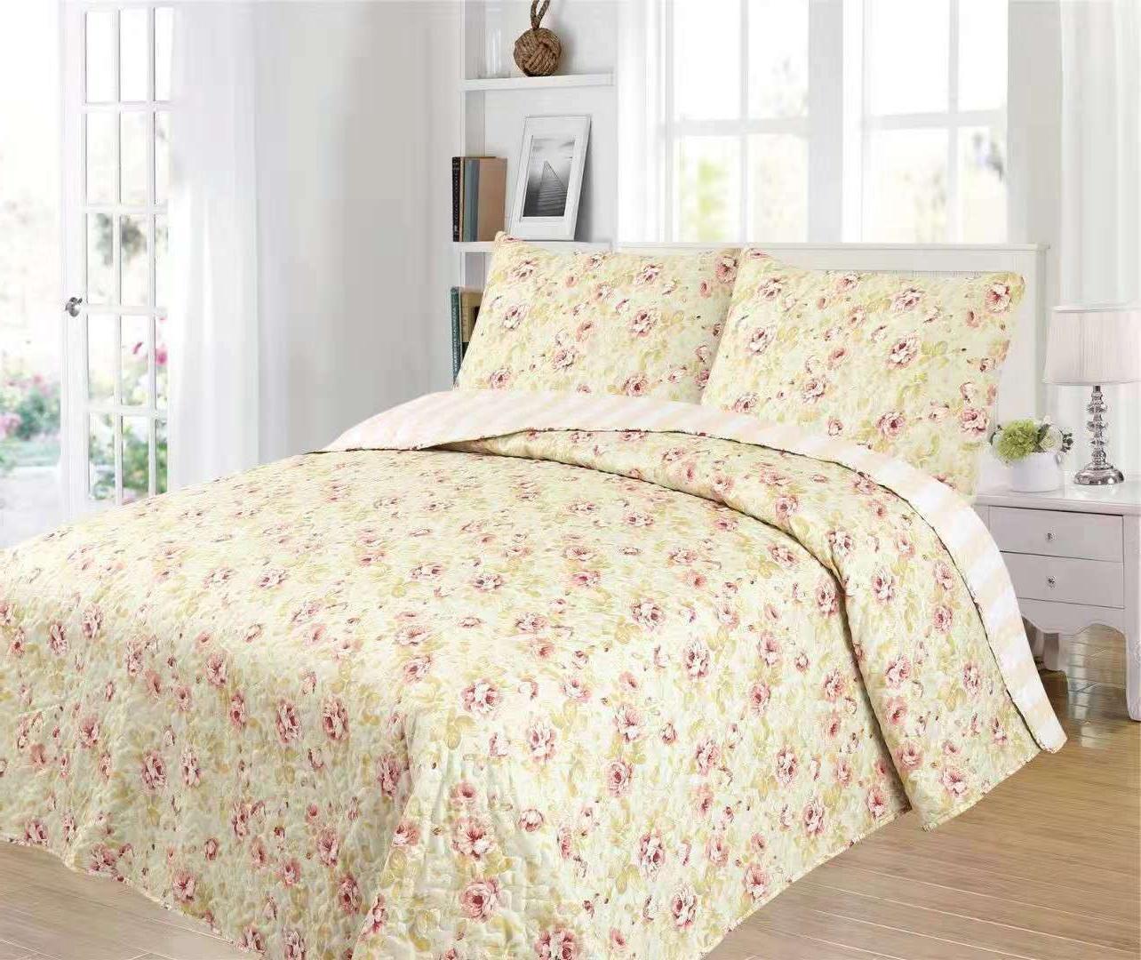 3 Piece King Size Quilt w/ Pillow shams