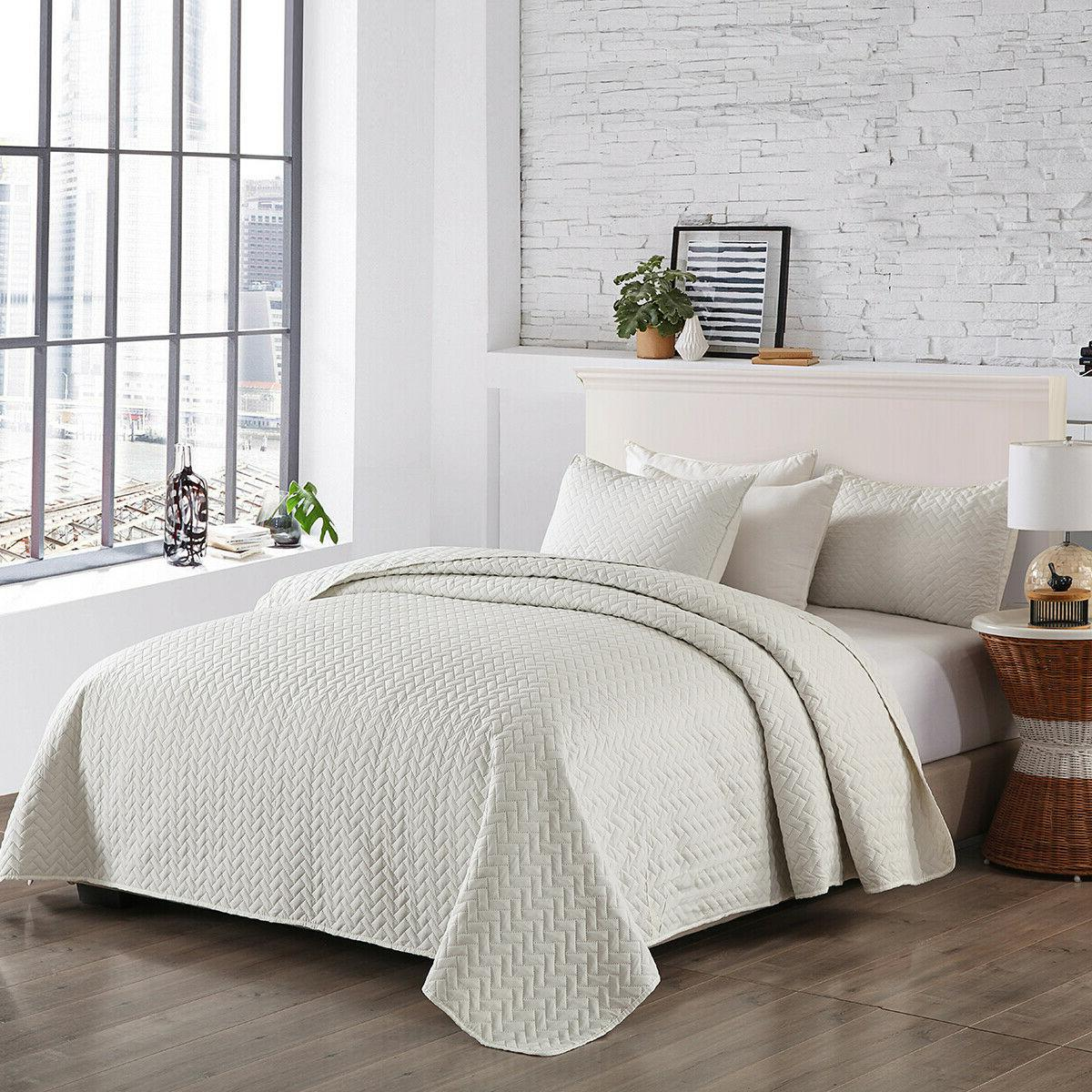 Embossed Coverlet Quilt Queen
