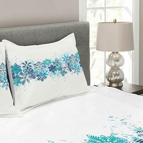 Lunarable Snowflake Bedspread, Pattern Winter Inspired Freezing